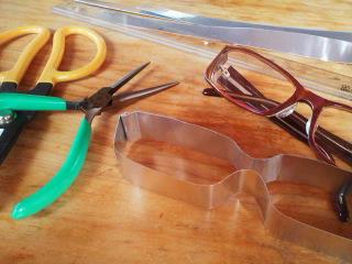 眼鏡のデザイン。