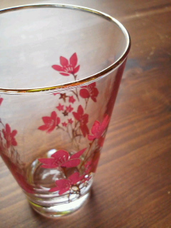 antique glasses。